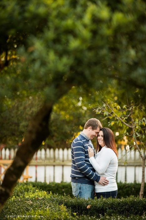 colonial-williamsburg-engagement-photos-07