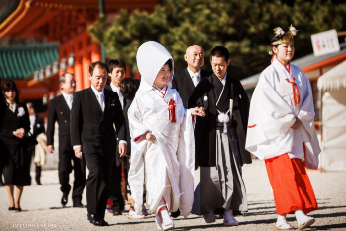 heian-shrine-kyoto-wedding-photos