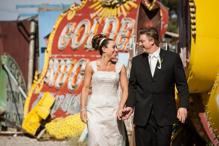 las-vegas-neon-boneyard-wedding-photos