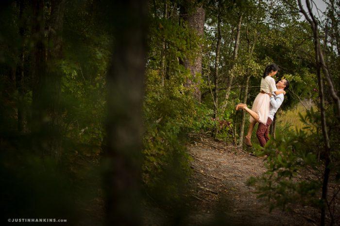 romantic-engagement-photos-01