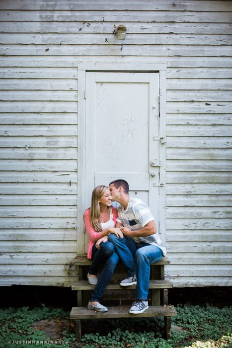 smithfield-engagement-photos-01