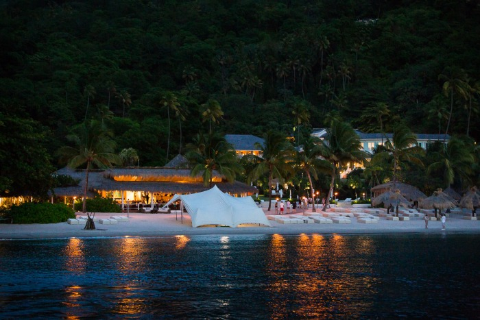 outdoor-beach-wedding-reception-ideas-sugar-beach-st-lucia